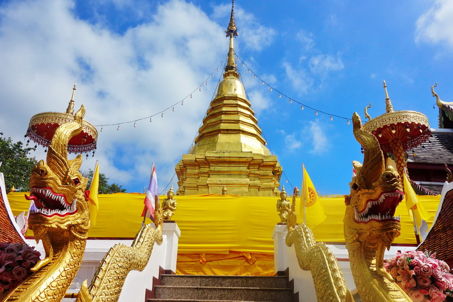 phra that doi kham temple, wat phra that doi kham, wat phrathat doi kham, phrathat doi kham temple